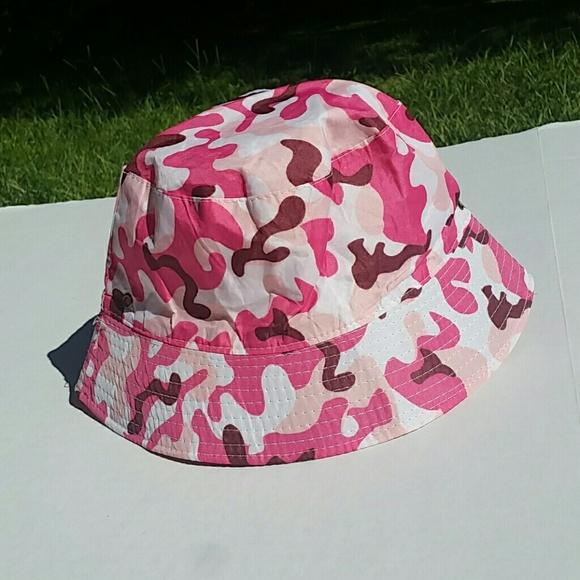 448d7c65e41 Pink camo bucket hat. M 5b670b62c89e1d65678b2a94